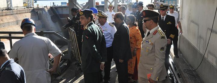 Colégio da Defesa Nacional da Índia visita o AMRJ