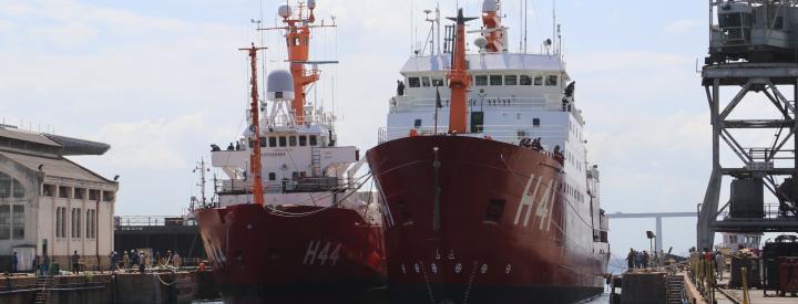 Desdocagem do NApOc Ary Rongel e do NPo Almirante Maximiano