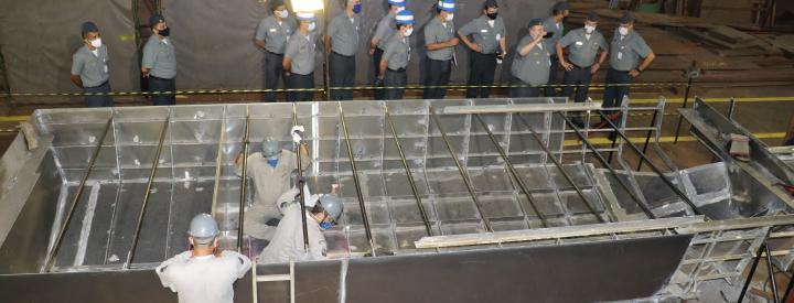 Diretor-Geral do Material da Marinha Visita Construções em Andamento e Hospital do AMRJ
