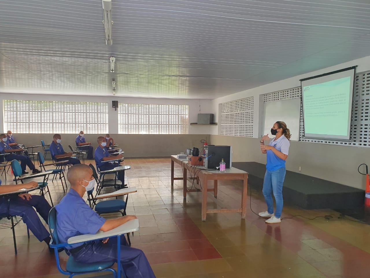 Comando do 3º Distrito Naval realiza ação de divulgação da Assistência Social para Marinheiros-Recrutas