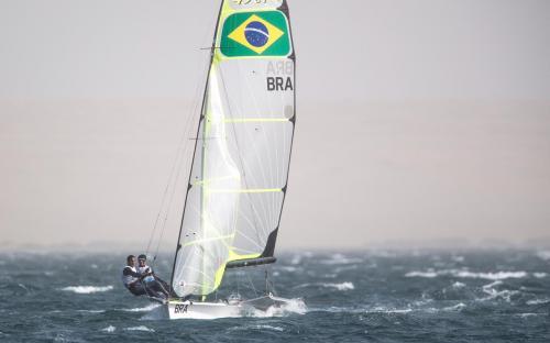 A dupla Marco Grael e Gabriel Borges levou o ouro na Vela