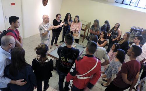 Militares e seus familiares também receberam explicações históricas sobre o CFN em visita ao Museu
