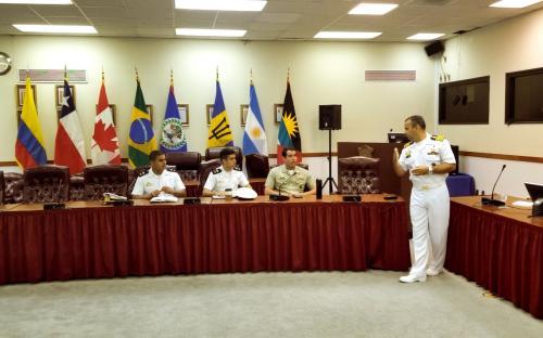Em Washington, foram recebidos na Junta Interamericana de Defesa