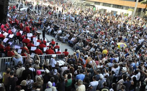 A Banda Sinfônica atraiu um público de 2 mil pessoas em apresentação na Avenida Paulista