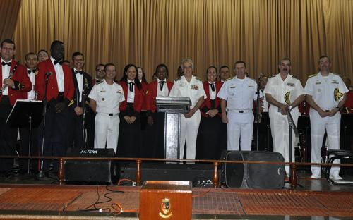 A Banda Sinfônica emocionou o Almirante ao executar performances e estilos musicais típicos de Portugal