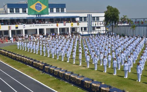 A Marinha do Brasil formou 83 novos Oficiais Fuzileiros Navais em 2017