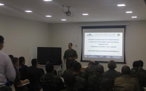 A instrução teórica sobre Triagem e Gerenciamento Médico de Baixas por Agentes de Armas Químicas ficou a cargo da MB