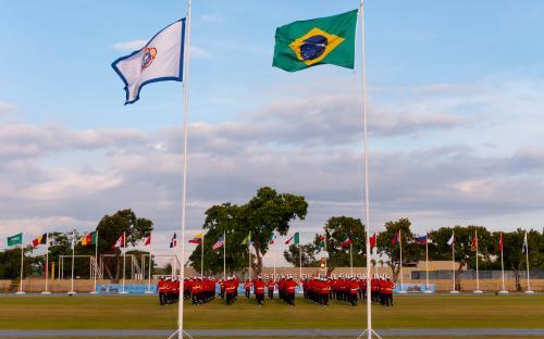 Cerca de 300 atletas militares, representando 24 países, participaram da solenidade de abertura