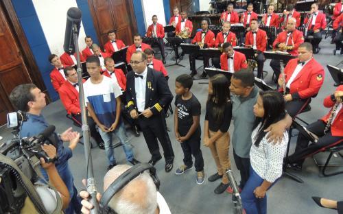 Na ocasião, Banda Sinfônica apresentou principais instrumentos musicais à família