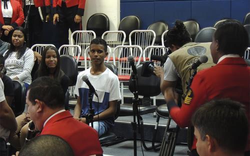 Em seguida, os jovens puderam conhecer a Banda Sinfônica do CFN