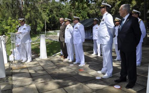 Em seu discurso, o Comandante-Geral do CFN elogiou as gerações de Fuzileiros Navais que contribuíram para a evolução do Batalhão
