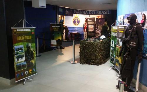 Exposição sobre o Corpo de Fuzileiros Navais no AquaRio exibiu parte do acervo do Museu do CFN