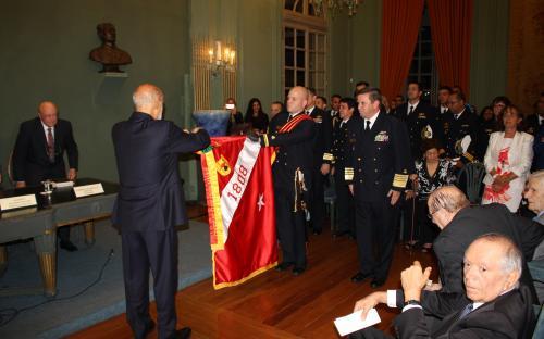 A honraria foi concedida devido ao cumprimento da missão do CFN, atrelado com a grande atenção dos Fuzileiros Navais às causas sociais
