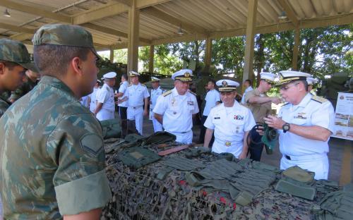 A programação também contou com mostruário de meios e armamentos no Batalhão de Artilharia de Fuzileiros Navais