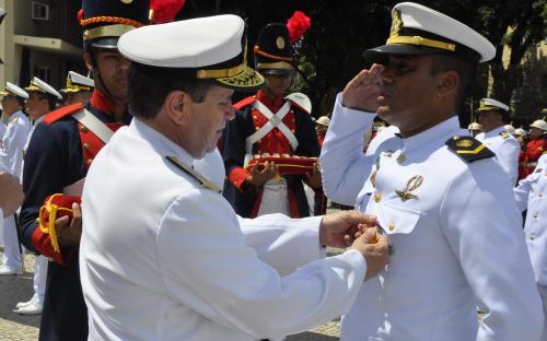 Militares foram agraciados com quatro âncoras em ouro, prata ou bronze.