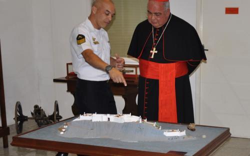 Na ocasião, o Cardeal Dom Orani Tempesta recebeu explicações sobre a história do CFN