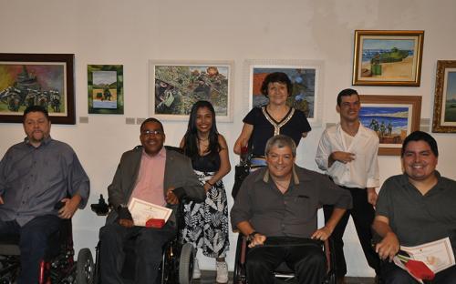 O Salão conta com a participação de artistas com deficiência