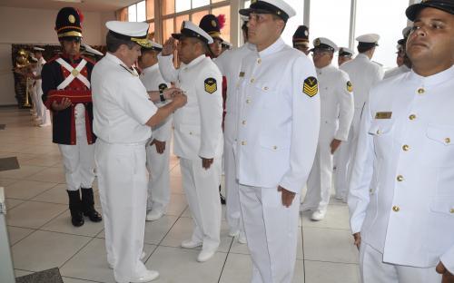 Oficiais e praças receberam medalhas militares