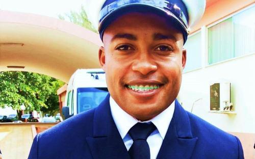 Sargento Rodrigo Lima devolveu cerca de 200 mil reais em dinheiro e cheques encontrados em shopping carioca