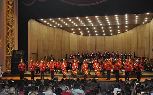Espetáculo também contou com a participação das gaitas de fole da Banda Marcial do CFN, do coro do CFN e do coro feminino de Oficiais da Marinha