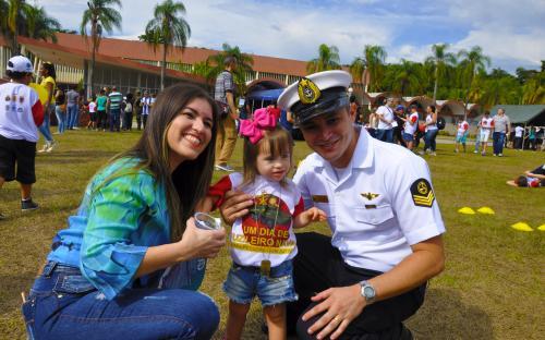 Um Dia de Fuzileiro Naval para Pessoas com Autismo reuniu 200 crianças e seus pais no CIASC