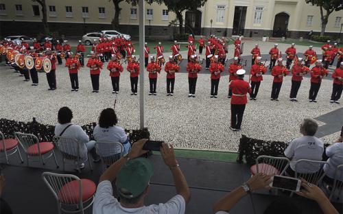 Visitantes se emocionaram com a performance dos militares músicos
