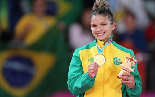 A Sargento Larissa Pimenta conquistou o ouro no judô