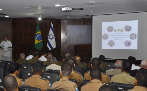 A abertura do Workshop de Operações Humanitárias e Cooperação com a Defesa Civil foi feita pelo Vice-Almirante (FN) Jorge Armando Nery Soares, Comandante CMatFN
