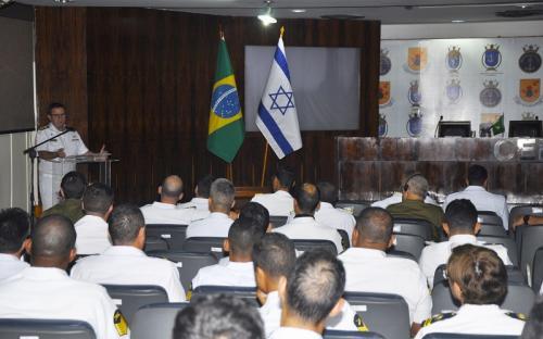 Comandante-Geral do CFN, AE (FN) Alexandre encerra o evento ressaltando os aprendizados do Workshop, e parabeniza a todos os envolvidos no esforço empregado na ajuda às vítimas da tragédia em Brumadinho