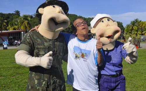 """Marinha do Brasil promoveu """"Um Dia de Fuzileiro Naval e Marinheiro"""""""
