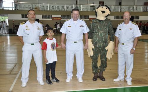 """""""Um Dia de Fuzileiro Naval"""" reuniu pessoas com necessidades especiais e seus familiares no CIAMPA"""