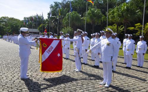Batalhão de Artilharia de Fuzileiros Navais é agraciado com a Medalha Mérito Tamandaré no dia 10 de maio