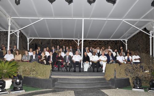 Prestigiaram a cerimônia o Comandante da Marinha e outras autoridades civis e militares