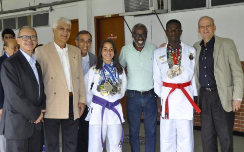 Os Oficiais Superiores percorreram as instalações do CEFAN e cumprimentaram atletas