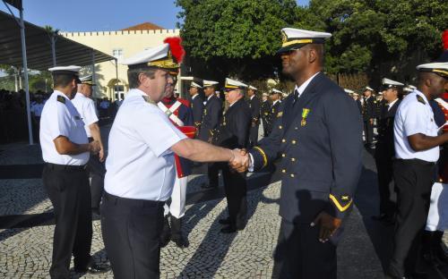 Medalha é um reconhecimento por decênios de bons serviços prestados à Força