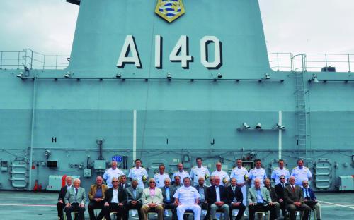 Visita ao Porta-Helicópteros Multipropósitos Atlântico foi destaque no Encontro de Almirantes 2018