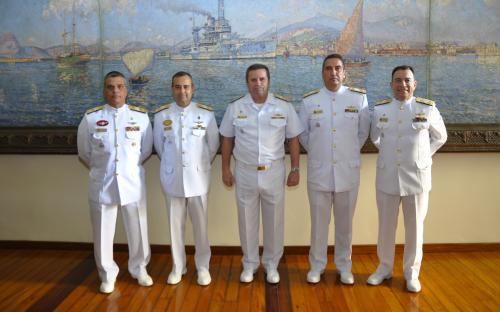 Os Capitães de Mar e Guerra Tinoco, Eduardo, Guimarães e Góis foram promovidos ao posto de Contra-Almirante