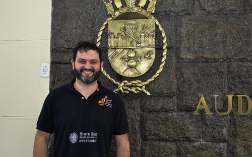 O maestro do Projeto Maré do Amanhã, Felipe Kochem, elogiou a atuação dos militares-músicos do CFN