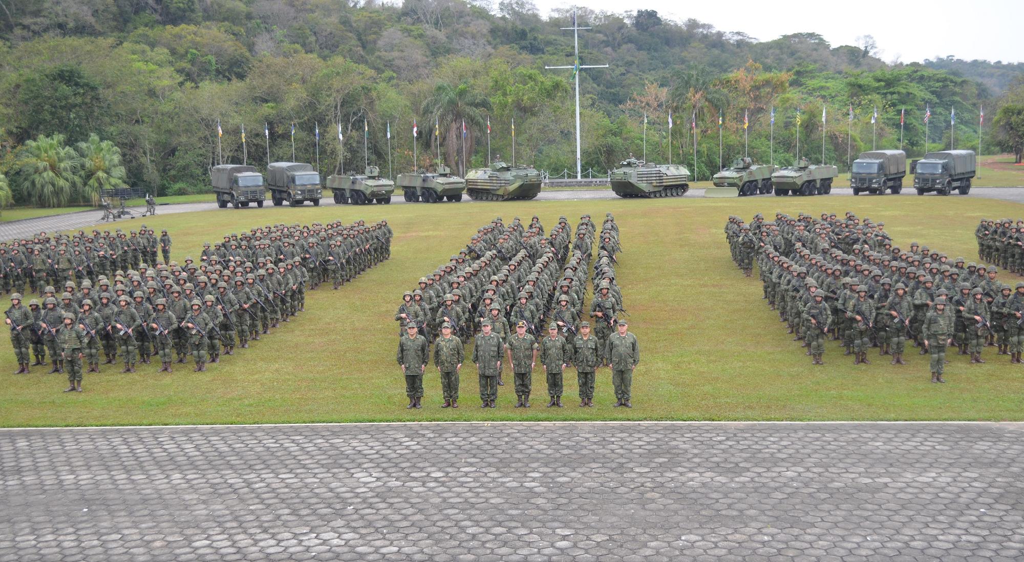 82cfea4f19 ... no Comando da Divisão Anfíbia, na Ilha do Governador (RJ), foi  anunciada a desativação dos Grupamentos Operativos de Fuzileiros Navais que  formaram o ...