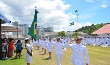 Guardas-Marinha do COM2°DN prestam juramento à Bandeira Nacional