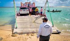 """AgCamocim verifica itens de segurança de embarcações durante fase """"Travessia Segura"""" da Operação """"Verão 2020-2021"""" no Ceará"""