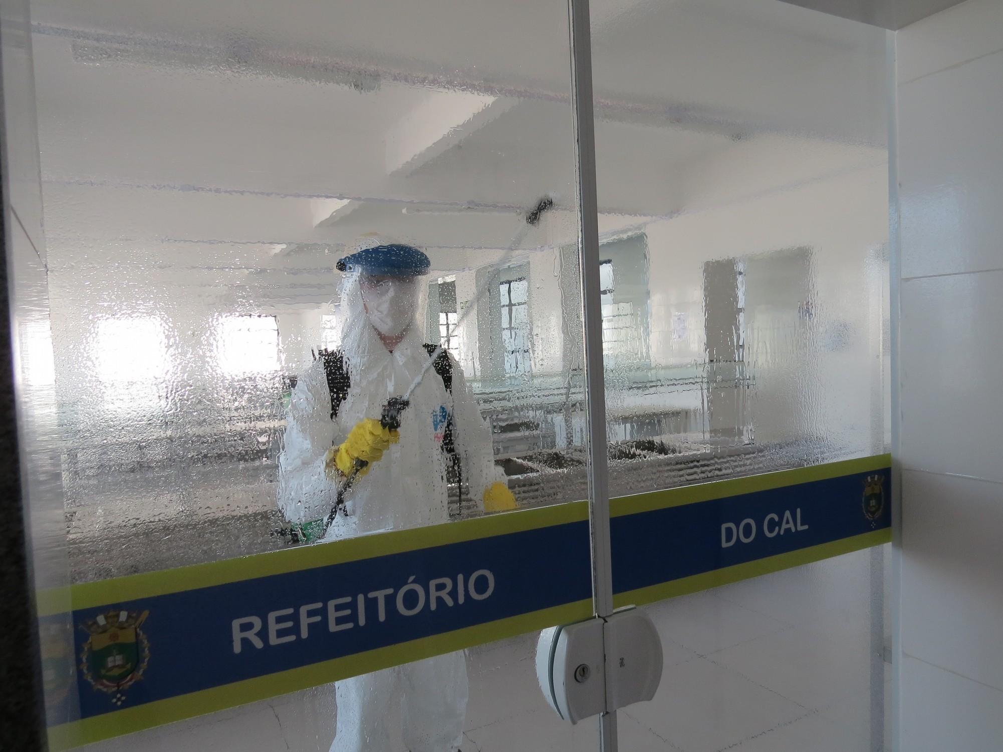 EAMSC realiza desinfecção no Refeitório do Corpo de Alunos.jpg