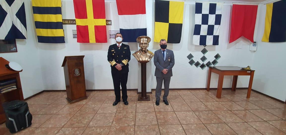 Entrega da comenda da Ordem do Mérito Naval em evento presidido pelo Comandante do 5º Distrito Naval.jpg