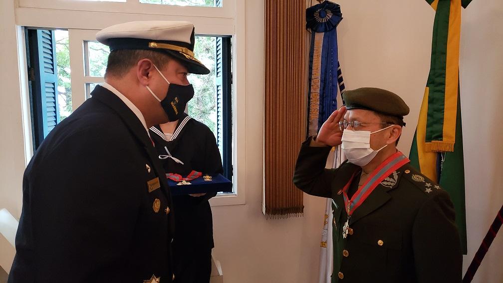 General de Divisão Riyuzo Ikeda recebe comenda da OMN.jpg