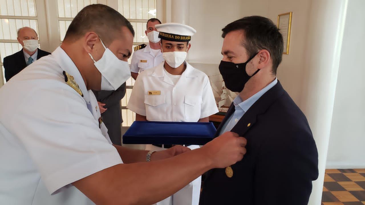 Imposição da Medalha Amigo da Marinha ao Deputado Federal Maurício Dziedricki.jpg