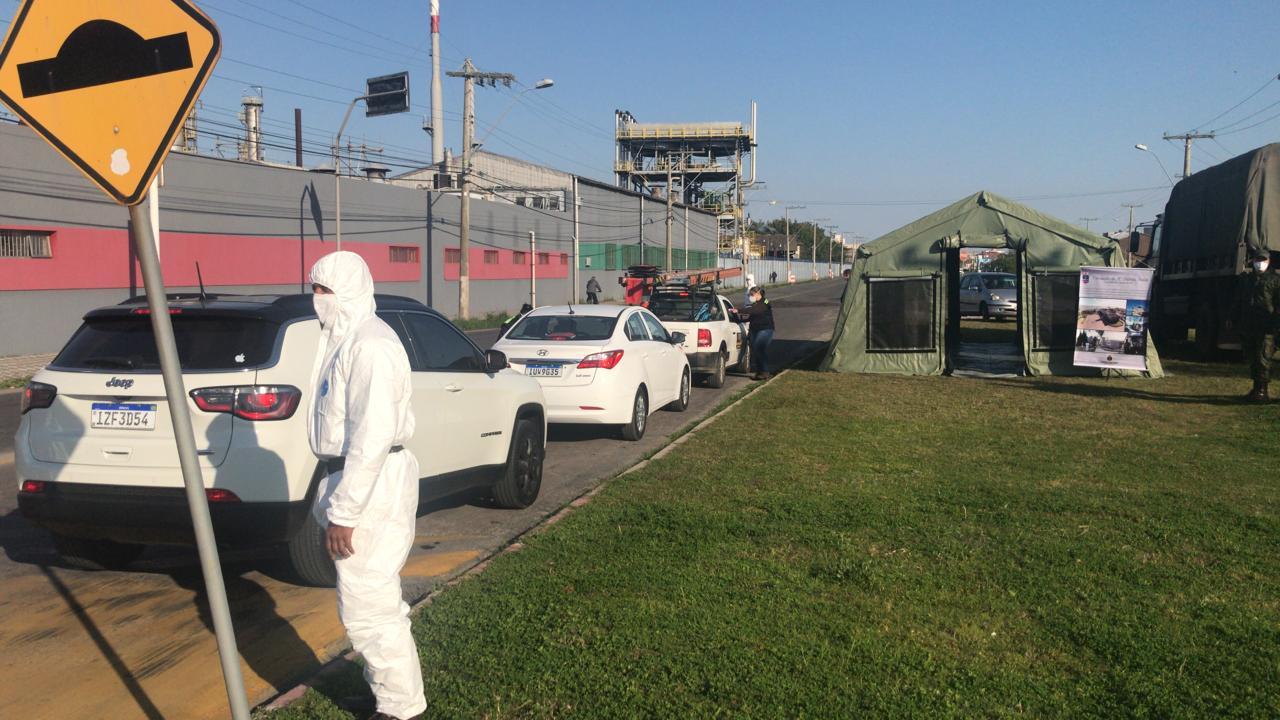Militares do GptFNRG atuam em barreiras sanitárias na cidade do Rio Grande.jpg
