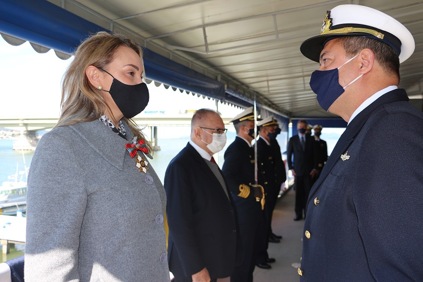 Vice-Governadora de SC, Daniela Reinert recebe comenda da OMN.jpg