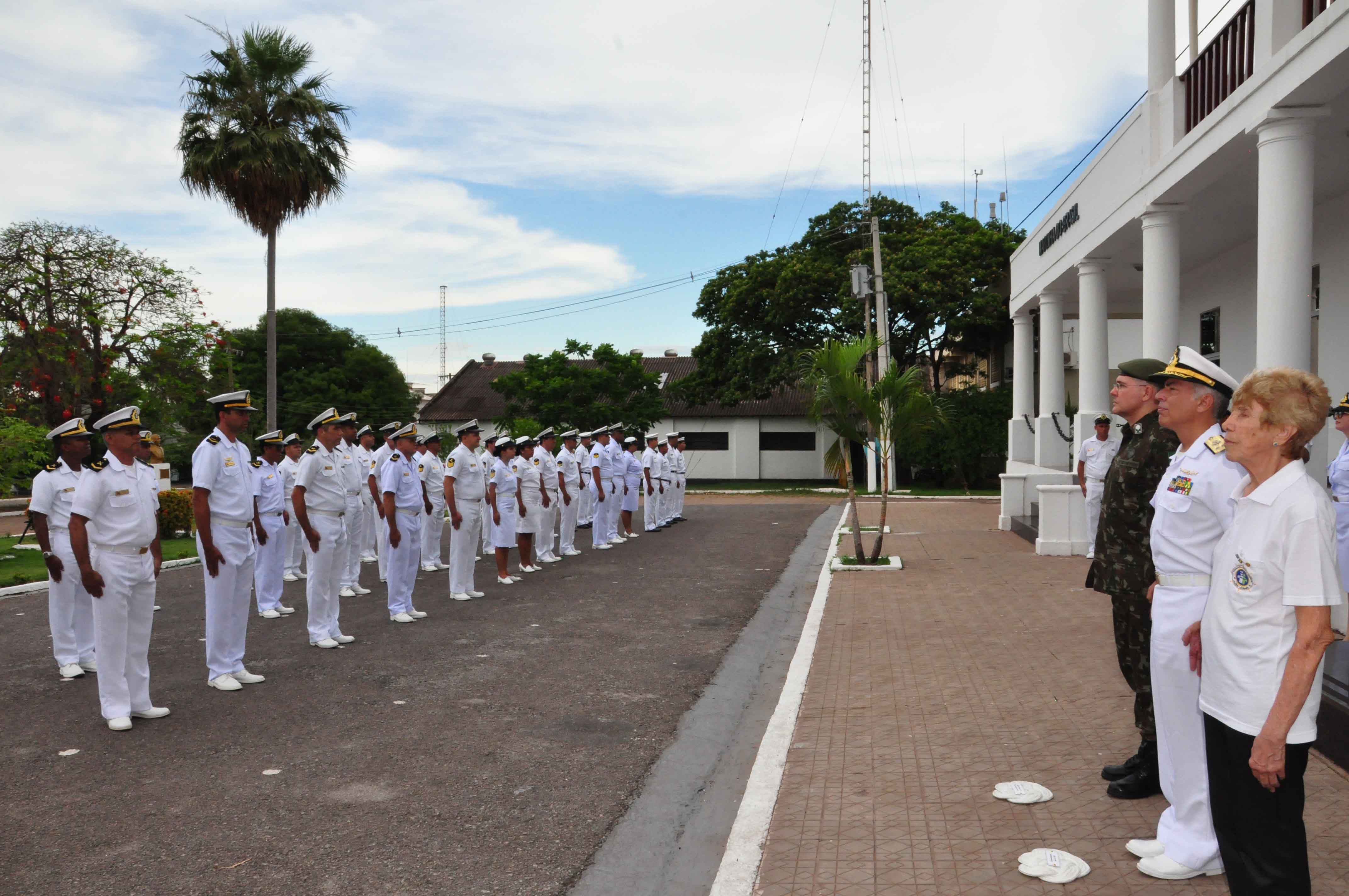 Autoridades civis e militares participaram do evento
