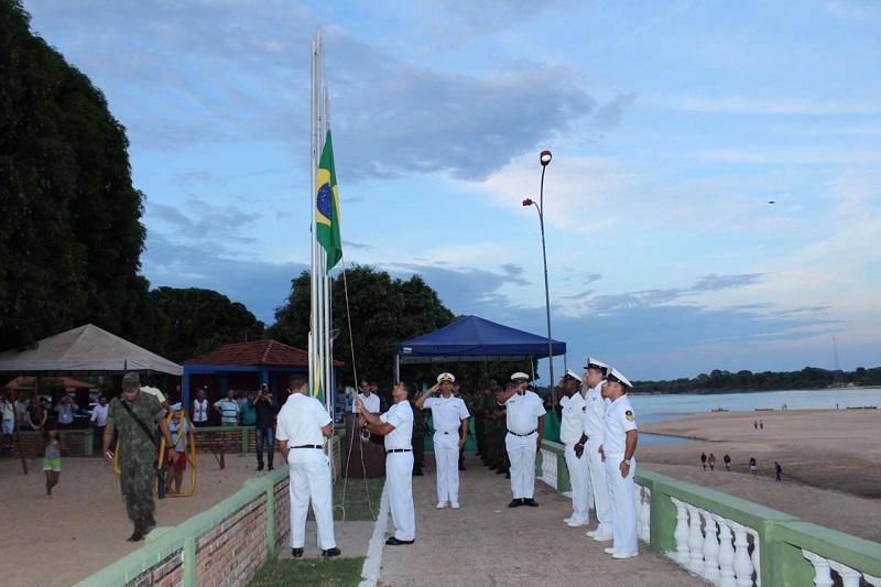 Militares da AgSFAraguaia durante o Cerimonial a Bandeira