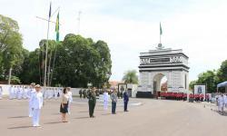 Personalidades civis e militares foram agraciadas com a Medalha Mérito Tamandaré